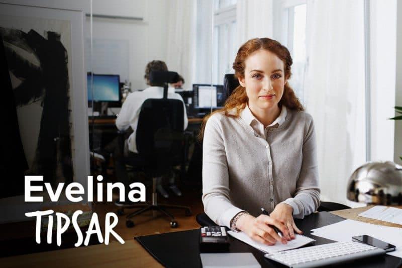 Medarbetaren Evelina på Advisa